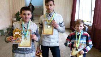 Спортсмены авиационного клуба «Чайка» при ЧАО «Бетонмаш» показали высший пилотаж!